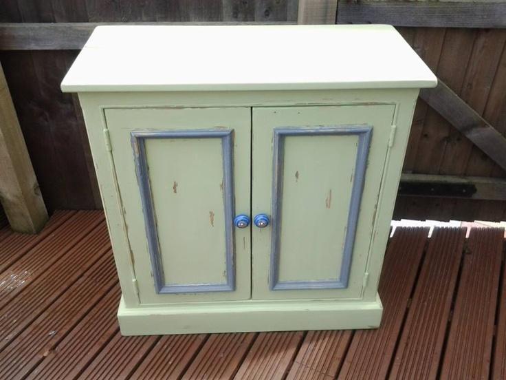 side cupboard