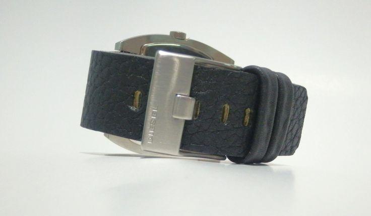 Curea de ceas disponibila pe comanda, pentru ceas marca DIESEL DZ-1116. Ambalaj gratuit pentru fiecare produs comandat! Pentru comenzi: cureledeceas@gmail.com. sau sunati la 0737 472 022. /Leather watch strap available on order. For inquiries, please call 0737 472 022 or kindly send e-mail to: cureledeceas@gmail.com. Like it? Pin it!