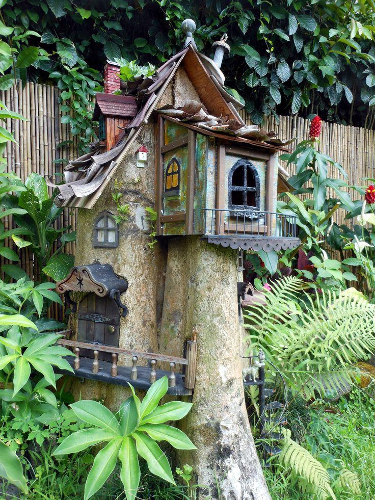 tree stump fairy gardens | Share