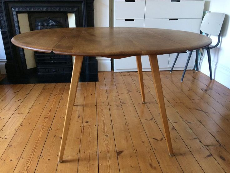 Beautiful vintage Ercol table  solid English elm top with stunning grain   good condition. V ce ne  25 nejlep  ch n pad  na Pinterestu na t ma Ercol table