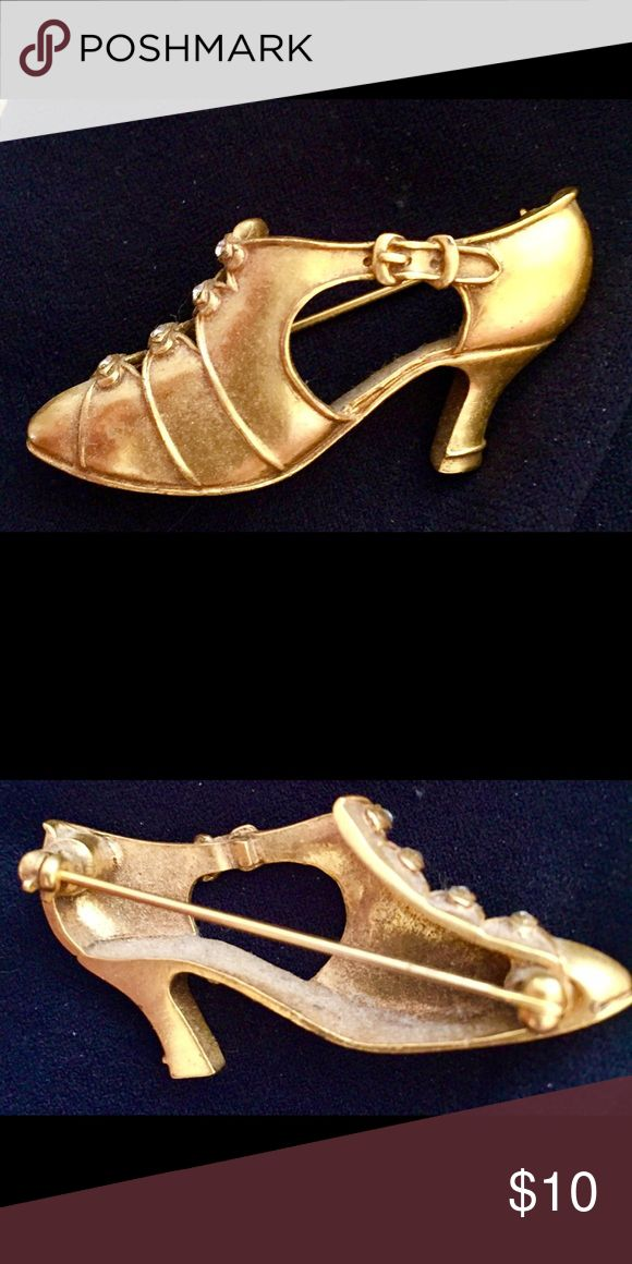 House of Congress Gold Plated Shoe Pin Really cute shoe Pin/Brian to wear on a scarf, shirt, Blouse or sweater! I got it at the Library of Congress! 🙏👏💥 Jewelry Brooches