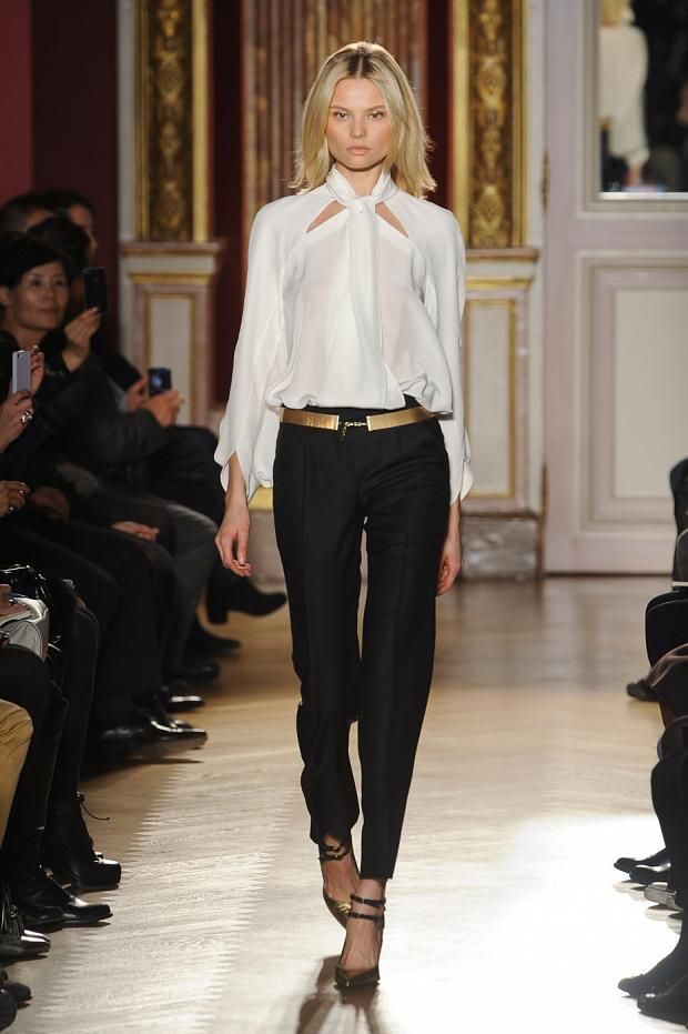 Always love the super-classic-with-a-twist look: Bui Fall, Paris, Catwalks, Style, Fashio Dresses, Black And White, Runway, Fall 2012, Barbara Bui