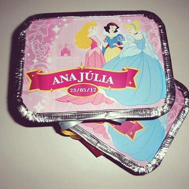 Marmitinhas para lembrançinhas com bombons, chocolate, amendoins, adesivos, pirulito!: Chocolates, Princesses, Party