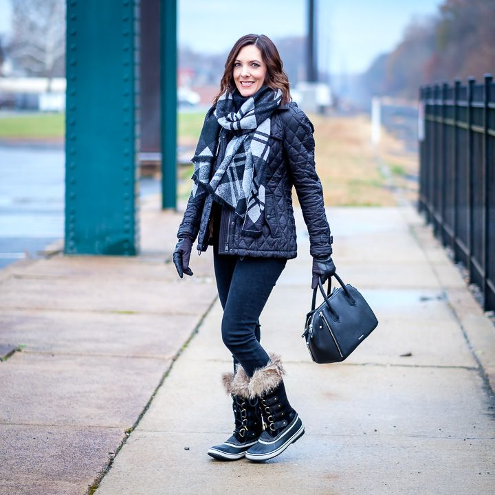 Today I'm teaming up with Bloomingdale's to share a cold weather winter look that is both chic and functional. I'm ready for anything winter can dish out in these fur-trim Sorel boots, leather tech gloves, and cozy plaid blanket scarf.