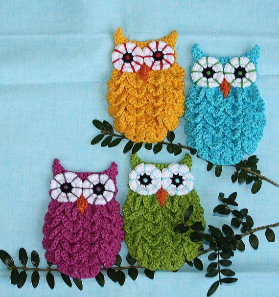 Crochet owls in crocodile stitch