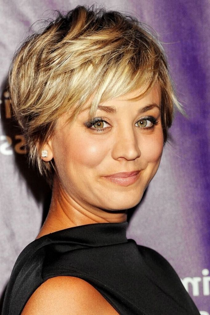 Image Result For Short Shag Haircut With Bangs 2017 Shorthairstylestutorial Thick Hair Styles Short Hair Styles Short Shaggy Haircuts