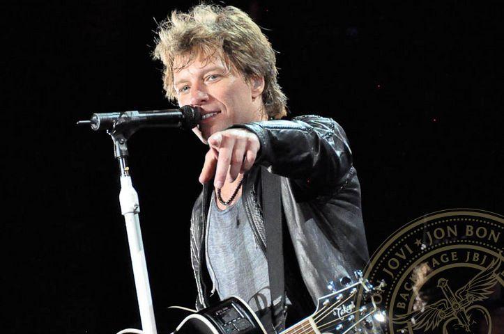 Jon Bon Jovi.....I loved simplicity!!!!!This Man, Istanbul 2011, Baby Baby, Jovi Artistsmusician, Lisbon, Jon Bonjovi, Rocks, Jovi Concerts, Jon Bon Jovi