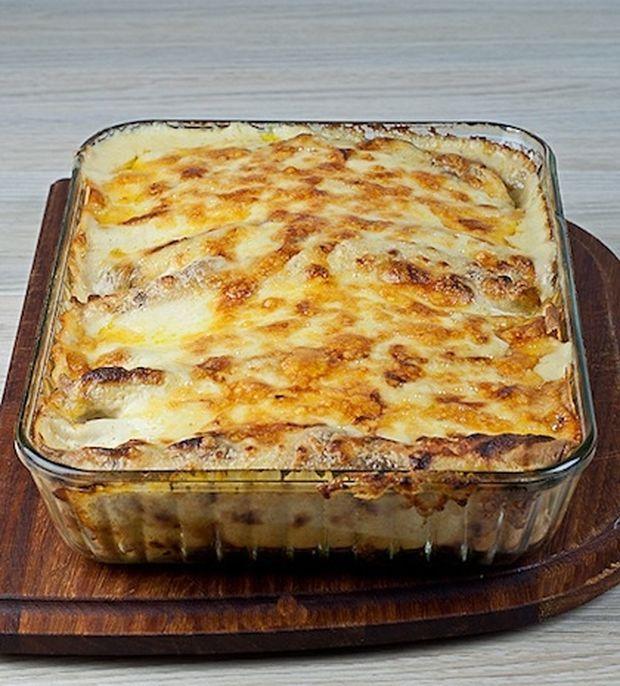 Λαχταριστές «διαφορετικές» κρέπες στο φούρνο με κοτόπουλο, τυρί και λαχανικά