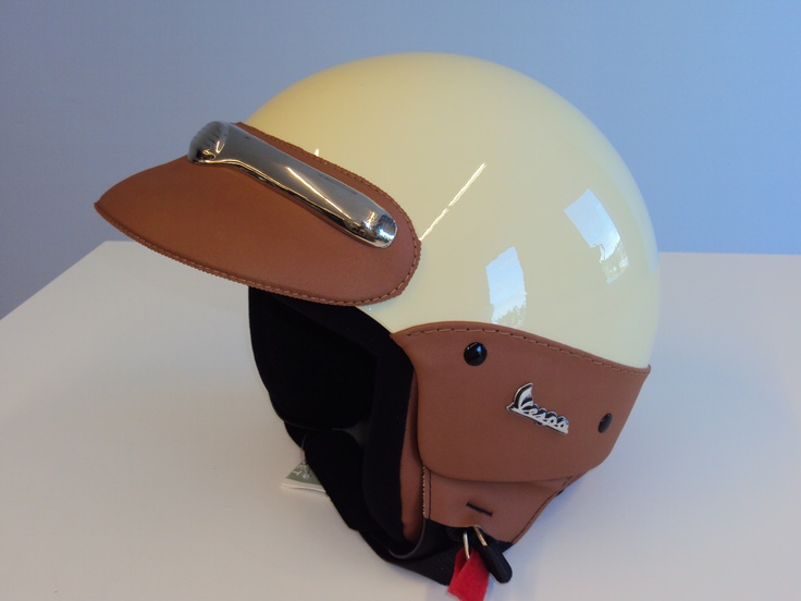 Accept. interesting Vintage green vespa helmet Unfortunately!