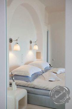 Modern Bedroom Design with Artemide Tolomeo Wall Lamps modern bedroom