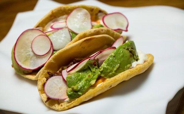 Tacos de carne assada com tortillas de milho e abacate (Foto: F. Nicolletti e Beto Campos)