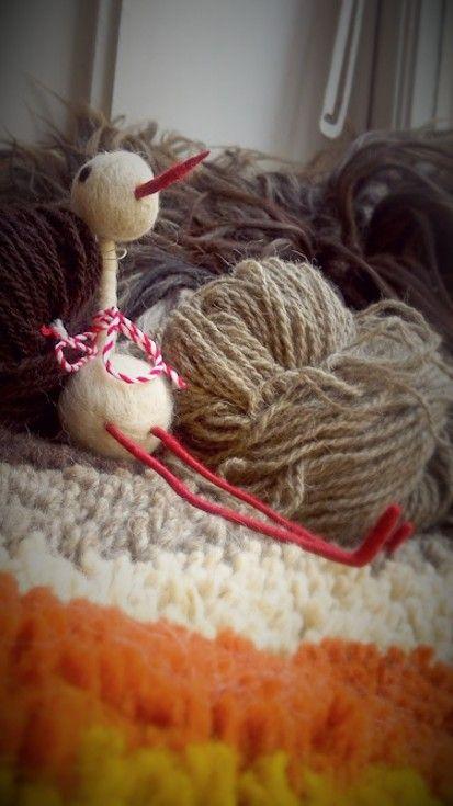 1/9 Usadil se u nás čáp. Vlněný čáp...svého druhu ojedinělý! / A stork settled down at our place. A wooly stork...unique in its kind!