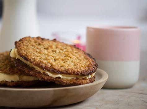 Havregrynskager med den bedste luftige smørcreme - opskrift