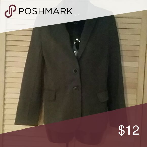 Old Navy charcoal suit jacket This NWOT suit jacket works well with most of your business wardrobe. It is super soft with a bit of stretch. Jackets & Coats Blazers