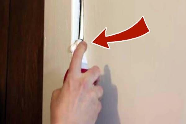 Borotvahabot fújtam az ajtóra. Hogy miért? Ha megtudod te is ki