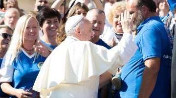 Latinoamérica: En nuevo libro el Papa analiza desafíos del continente de la esperanza 03/11/2017 - 11:03 am .- Se cumplen 10 años de la V Conferencia del Episcopado de América Latina y el Caribe realizada en Aparecida, Brasil, en mayo de 2007, de la que surgió un importante documento. En ese evento continental participó el entonces Cardenal Jorge Mario Bergoglio, quien se convertiría luego en el Papa Francisco.