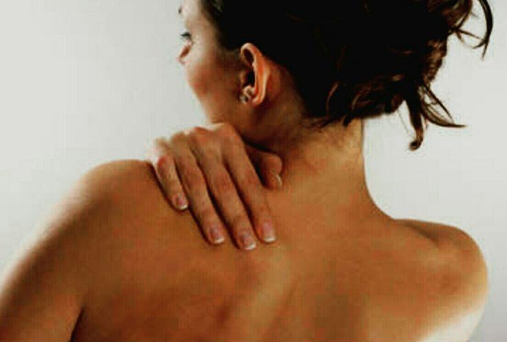 Al een tijdje last van hoofdpijn? Pijnlijke nek schouders? Zeurende rug?  http://www.wellnesssalonsodaliet.nl/massages/indonesische-massages/pitjit-belakang/  #hoofdpijn #rugpijn #cupping  #EtherischeOlieLemonGras #EtherischeOlieGember, #caju PutihOlie #Balsem #Gosok #StevigeRugMassage #indonesie  #ede #geldersestreken #vermoeidheid #SlechtSlapen #gelderland #Veluwe #WellnessSalonSodaliet