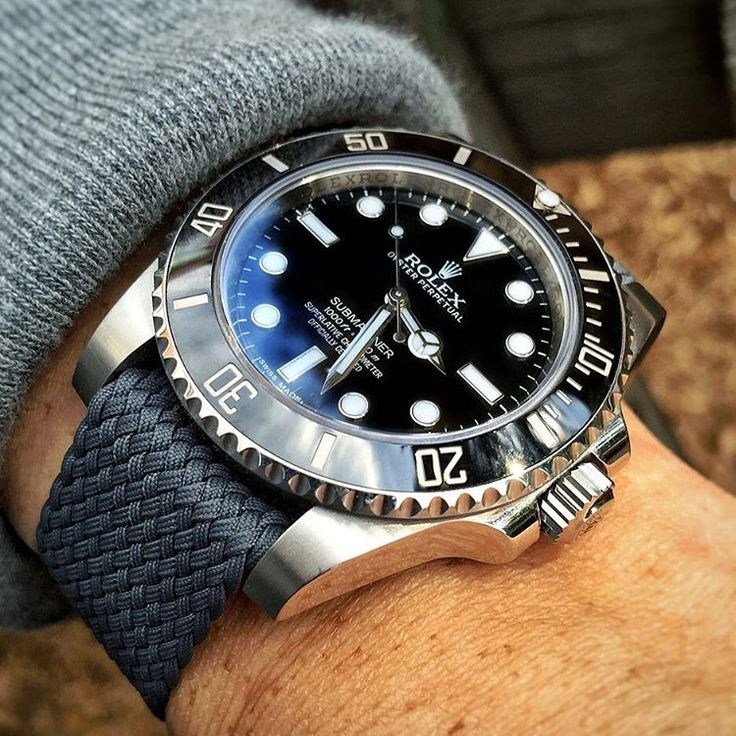 Rolex submariner 114060 no date with our gray strap !✌E-mail or PM us info@wewatch.dk #wewatch #nato #blackgrey #rolex #strap #luxury #premium #wewatchyourwrist #114060 #success #business #deal #sales #socialmedia