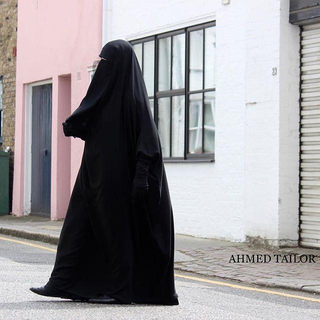 Hidayah JIlbab in Black |Niqab |Gloves all items available online ✔️#ahmedtailor #ahmeddesign ▫️▫️▫️#abaya #muslimah #jilbaab #modest #hijab #niqab #umbrellaabaya  #lavender  #khamar #classic #marwa #hajj #umrah  ❤️❤️❤️ @sisterinblack