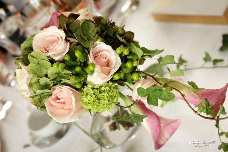 Wedding flower bouquet. Design by Elina Mäntylä, Valona design www.valona.fi