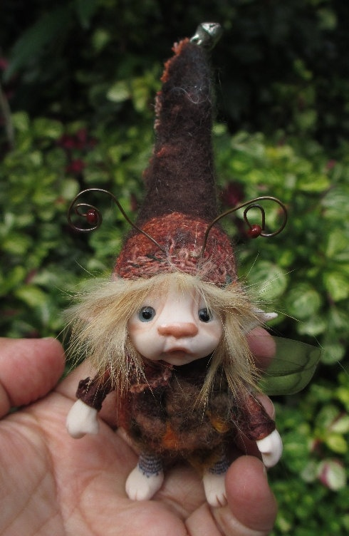 sweet 3 inches tiny fairy fairie bug by throughthemagicdoor