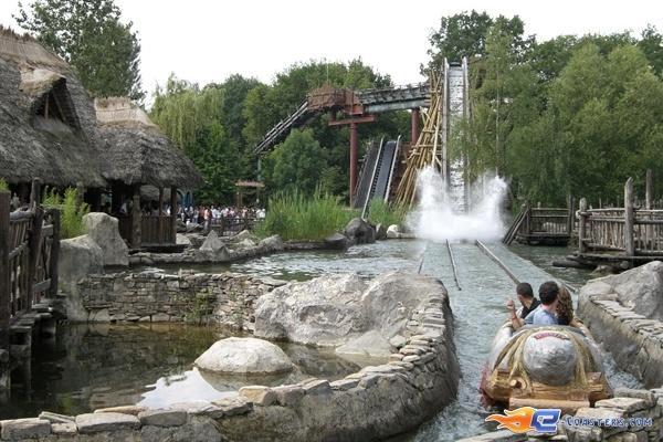 5/10 | Photo de l'attraction Menhir Express située au @ParcAsterix (France). Plus d'information sur notre site www.e-coasters.com !! Tous les meilleurs Parcs d'Attractions sur un seul site web !!
