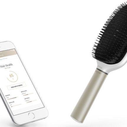 La prima spazzola smart che analizza i capelli (e insegna a pettinarsi)