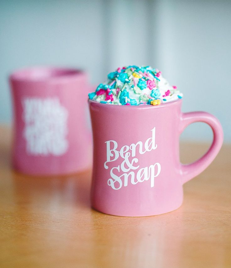 Bend & Snap every morning with our vintage diner-inspired Legally Blonde mugs. #coffee #coffeemug #legallyblonde #ellewoods #reesewitherspoon #diner