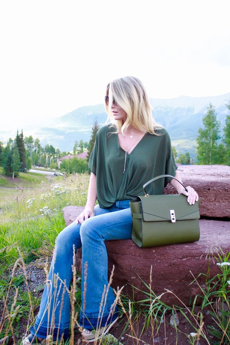 Green Handbag | Popular Fall Color - Busbee Style | Erin Busbee