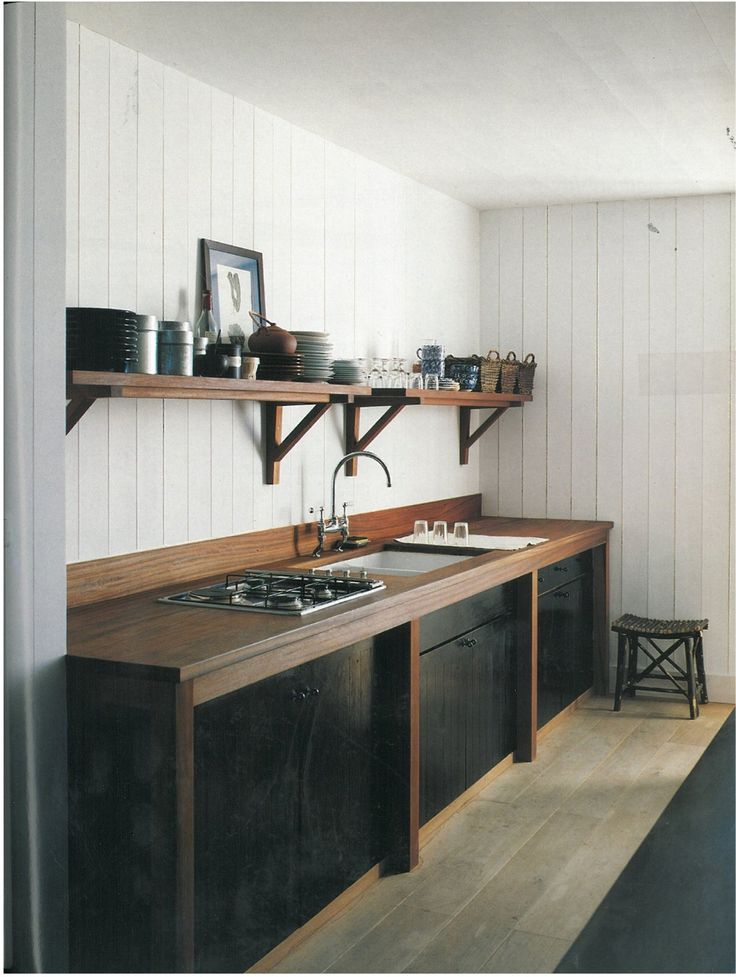 NARROW SINK / VERTICAL DESIGN / SIMPLE /  CLEAN / HORIZONTAL WALL BOARDS / NATURAL MIXED WITH INDUSTRIAL