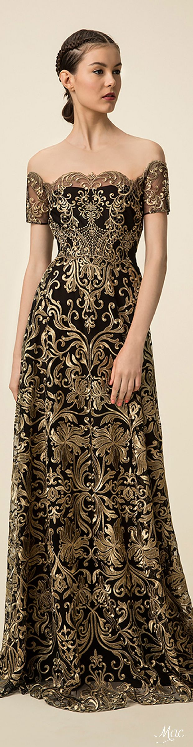 Black dress gold lace - Marchesa Notte Spring 2016 Ready To Wear Fashion Show Gold Gowngold Dresscourt