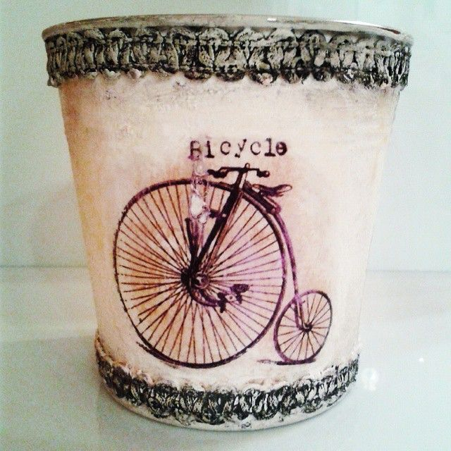 Decoupage with pizzi goffre technique! #vintage #lace #bicycle #pizzi #decor #decoupage #painting #art #crafts #skg #thessaloniki #artist #drawing #drawings #markers #paintings #watercolor #oilcolor #ink #creative #sketch #sketchaday #pencil #arte #dibujo #artwork #Art2Art #color #colour #tagstagramers