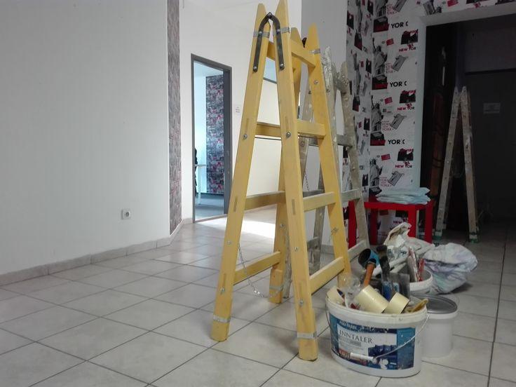 A festéssel készen vagyunk. Jöhet a takarítás és berendezés.