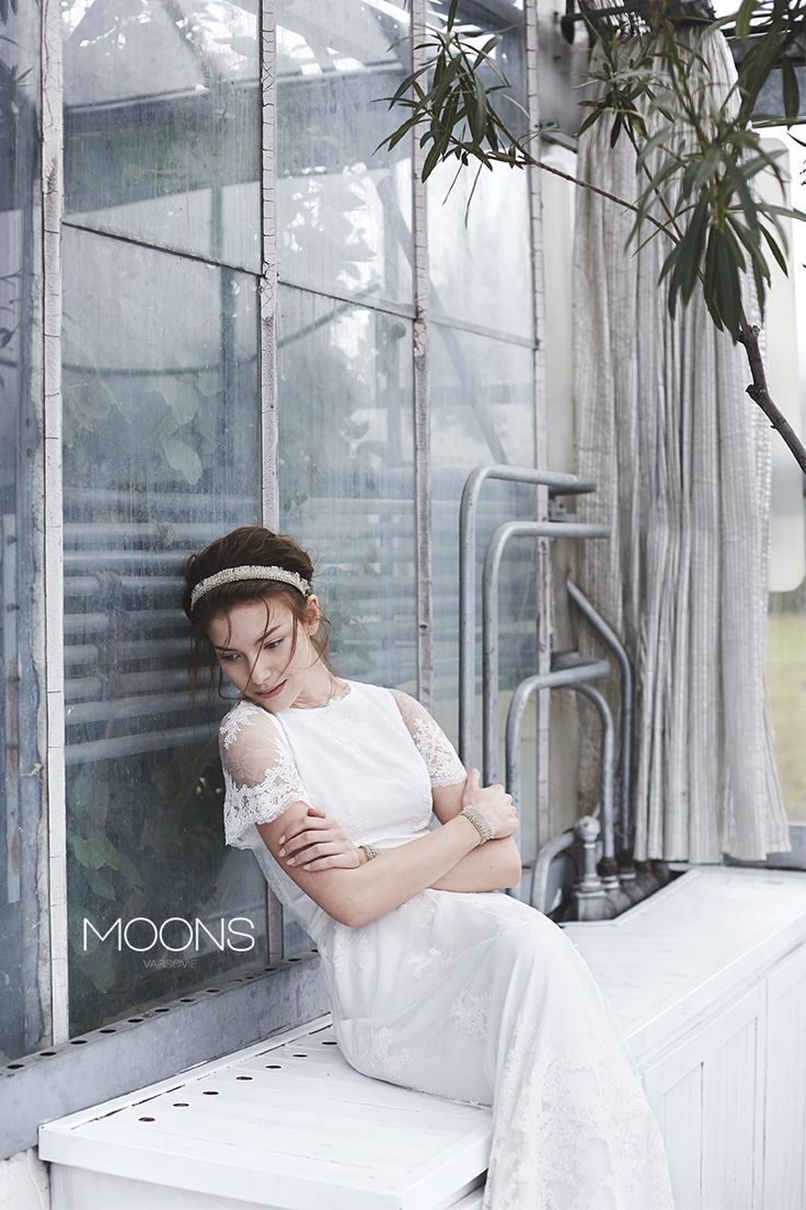 MOONS  [ fengari ] model.  MOONS wedding dress -  a sensual mixture of minimalism with romanticism philosophy. made in Poland.