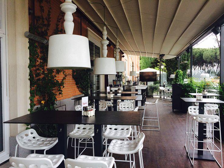 La terraza informal de verano del Restaurante La Casa de Quirós