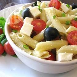 Zdjęcie do przepisu: Makaron penne z pomidorkami i mozzarellą @Allrecipes.pl - http://allrecipes.pl/przepis/5914/penne-serowo-pomidorowe.aspx