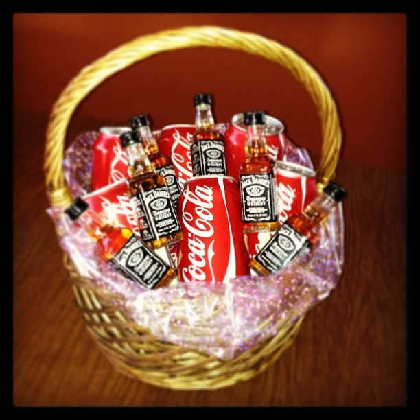 Jack And Coke Basket Jack Daniels Alcohol Gift Baskets