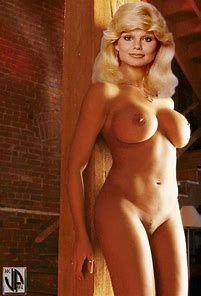 Hot girls skirt nude gif