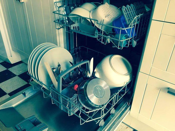 La voici enfin! Après quelques tests et réajustements, nous avons trouvé la recette et la façon de faire qui convenait le mieux à notre «petite» vaisselle. Bien oui, c&rsquo…