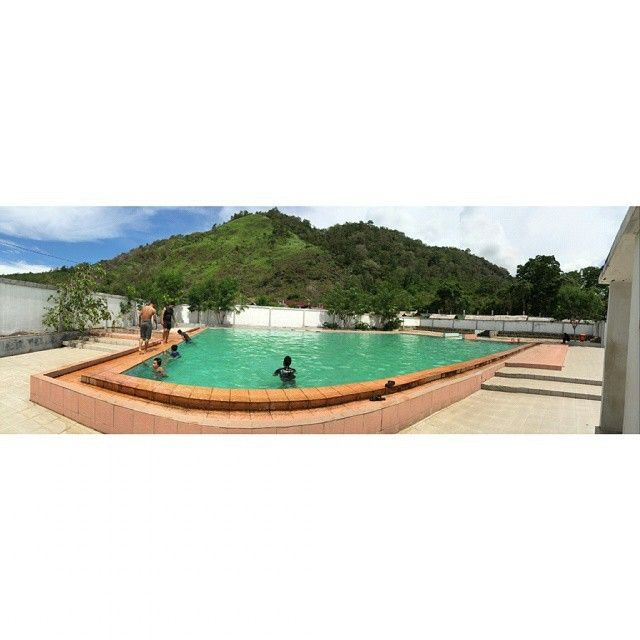 regram @allofus14 Pemandian kolam air panas krueng raya , aceh besar  #wisataaceh #discoveraceh #indonesianrepost #tengokaceh #mextures #jaxlajue #insta_aceh #kabaraceh #allofus14