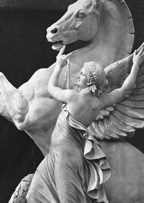 La Renommée retenant Pégase ~ Palais Garnier ~ Paris. Eugène Louis Lequesne
