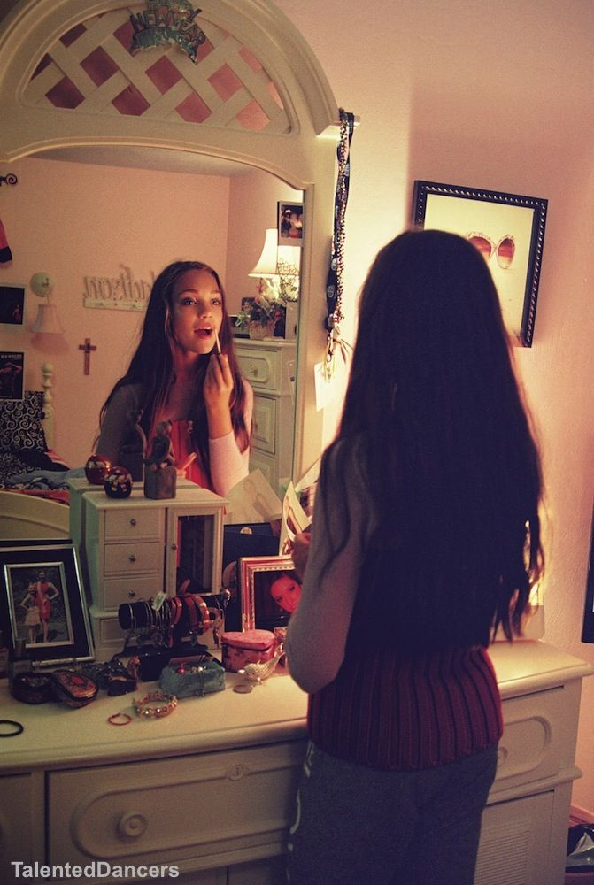 I was doing my makeup I heard something  i look out my window hello maddie  open  rp. 153 best Maddie Ziegler images on Pinterest   Mackenzie ziegler