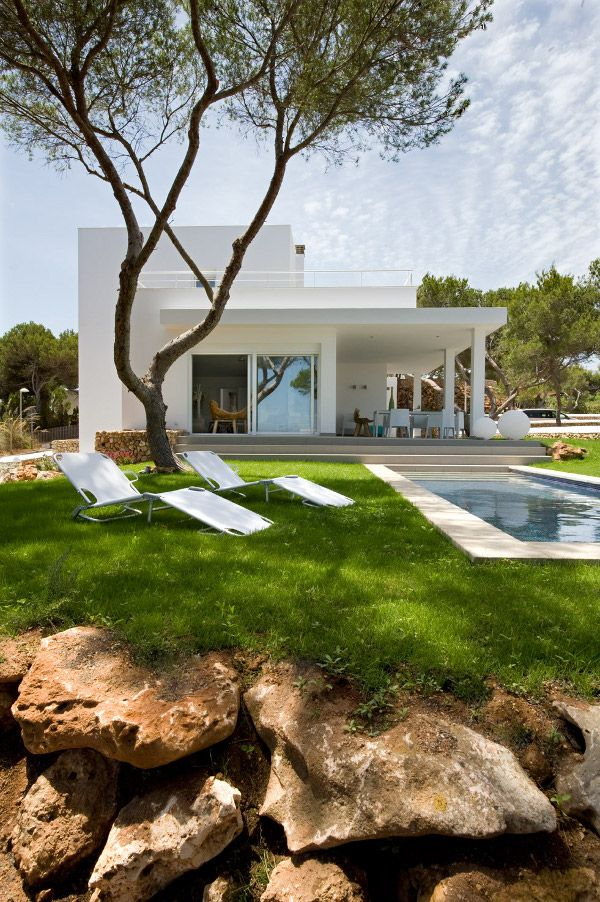 Codo aCodo - desire to inspire - the epitome of modern summer style indeed.