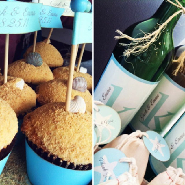 like the cupcakes...with their names?Shower Cupcakes, Shower Ideas, Gift Ideas, Bottle Ideas, Parties Ideas, Wine Bottles, Shower Parties, Showers Parties, Bridal Showers