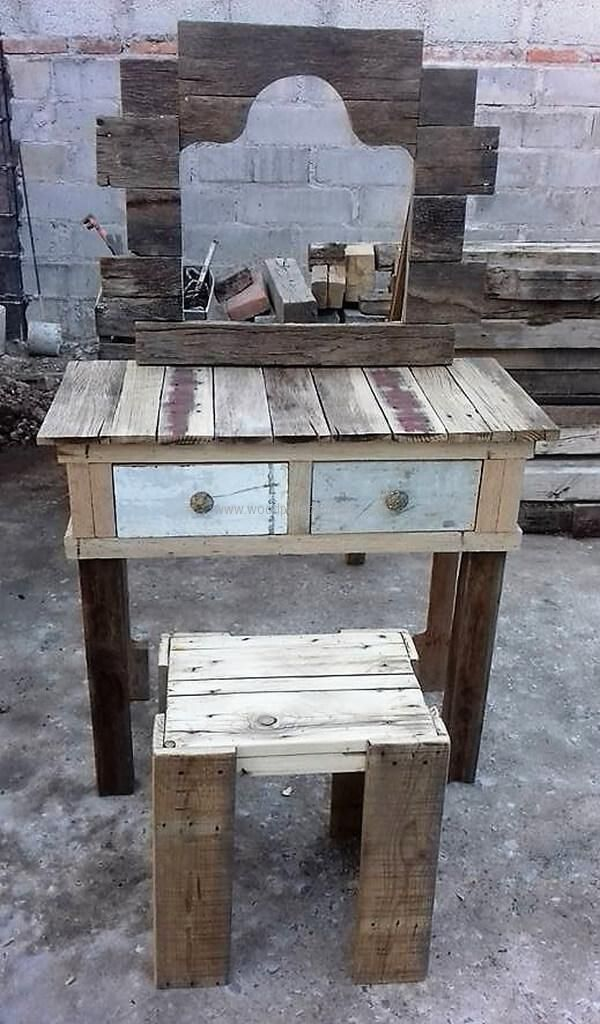 See the vintage vanity without the paint first and you will be able to know how it is created. The place for the mirror is cut creatively and it is looking nice. There is also a stool created with the vanity.