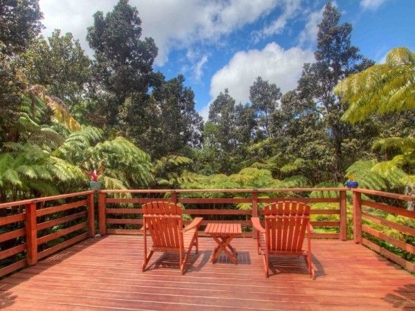 750 Sq. Ft. Tropical Rainforest Stilt Cabin In Hawaii. Rustic DeckWooden ...
