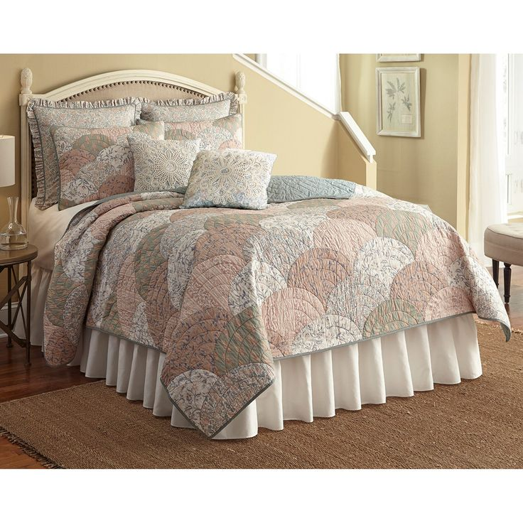 Nostalgia Home French Chain Quilt from