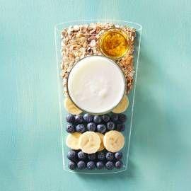 Probeer eens met sojamelk of amandelmelk ipv yoghurt. Recept -   Blueberry smoothie - Boodschappenmagazine