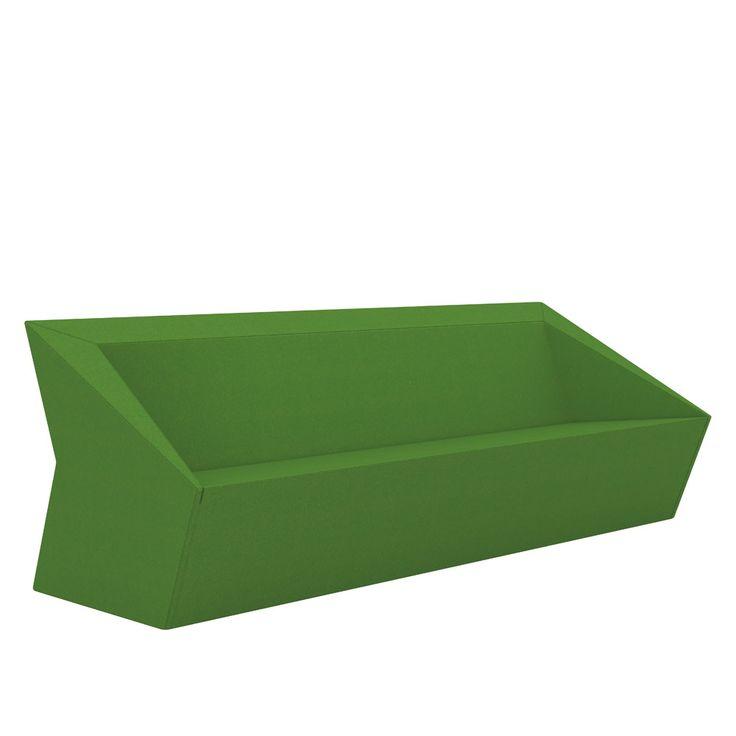 Futuristic shaped lounge sofa makes you love geometry