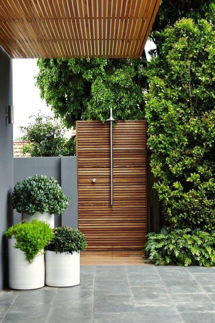 Belos Jardins Dicas Praticas E Inspiracao Em 110 Fotos In 2020 Outdoor Bathroom Design Garden Shower Outdoor Pool Shower